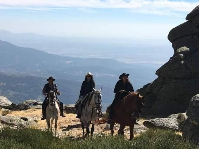2 jornadas a caballo y durmiendo en el campo. Fecha: 5 y 6 de agosto